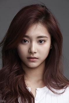 Beautiful Chinese Girl, Beautiful Asian Women, Beautiful Celebrities, Hair Color Auburn, Auburn Hair, Korean Beauty, Asian Beauty, Girls With Glasses, Asia Girl