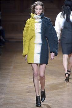 Sfilata Christian Wijnants Paris - Collezioni Autunno Inverno 2013-14 - Vogue