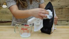 This super simple trick will keep your iron like new! Liquid Measuring Cup, Home Hacks, Better Homes, Pyrex, Cleaning Hacks, Household, Home Appliances, Iron, Super Simple