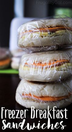 Need a quick breakfast idea for rushed mornings? These easy freezer breakfast sandwiches are super convenient to grab and go! This is a frugal make ahead breakfast idea the whole family will love and (Quick Breakfast) Slow Cooker Freezer Meals, Easy Freezer Meals, Make Ahead Meals, Freezer Cooking, Individual Freezer Meals, Freezer Desserts, Quick Family Meals, Frugal Family, Frozen Breakfast