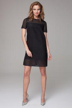Prześwitująca czarna sukienka z krótkim rękawem