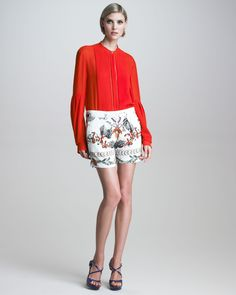 http://ncrni.com/roberto-cavalli-plisse-pleatedbib-silk-blouse-printed-silk-shorts-p-6957.html