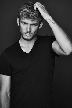 Friday Hot Guy Frenzy - Alex Pettyfer | The Glamourati