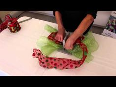 Know How to Make a Scrunchy Green Bow with Bowdabra #Bowmaking #Crafts