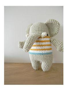 Vicente, amigurumi elephant