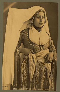 Lebanese woman. Photo taken in the late 1800s by Tancrede Dumas.