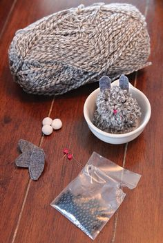 DIY yarn bunny