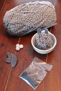 DIY yarn bunny