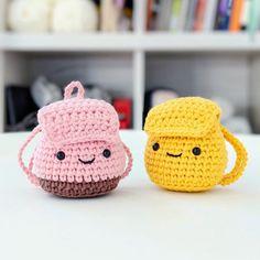 Easy Amigurumi Pattern, Amigurumi Doll, Cute Crochet, Crochet Dolls, Crochet Bags, Backpack Decoration, Mochila Crochet, Backpack Pattern, Crochet Keychain