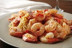 This Shrimp Scampi recipe is low in calories but full of fresh garlic flavor. Simple, delicious, rich and healthy. Shrimp scampi for your healthy diet.