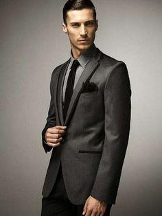 Military-Inspired Formal Attire - Dapper Classics in the F/W 2009 Zara Menswear Lookbook (GALLERY)