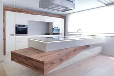 Modern Luxury Kitchens For A Grand Kitchen Luxury Kitchen Design, Luxury Kitchens, Home Kitchens, Kitchen Furniture, Kitchen Interior, Kitchen Decor, Interior Modern, Grand Kitchen, Küchen Design