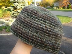 Day 13 of 30 Days of Hats - Men's Beanie Cap / Hat by The Crochet Crowd. Also has video tutorial. 09-13-14