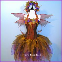 Adult Autumn Fairy costume - Love the wings Running Costumes, Cool Costumes, Costume Ideas, Cosplay Ideas, Halloween Fun, Halloween Costumes, Fairy Costumes, Mother Nature Costume, Autumn Fairy