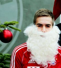 Philipp Lahm as Santa Claus - I don't think I've seen anything more adorable in my life. Team Player, Football Players, Philipp Lahm, German National Team, Fc Bayern Munich, Little Giants, Great Team, My Boys, Germany