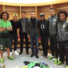 Marcelo & Neymar & Thiago Silva & Nene & Robinho & Luiz Gustavo & Willian   (via N10 @neneoficial Parabéns rapaziad…Instagram photo   Websta)
