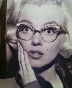 97f5c30d5f19c Surprised Marilyn with glasses Celebrity Dads