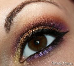 puple - gold - brown christmas make up, more photos: http://www.talasia.de/2013/01/16/make-up-2-weihnachtstag/