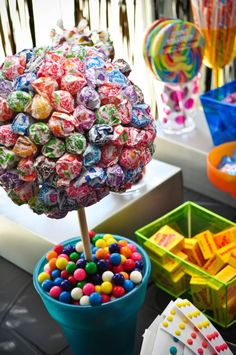 Amazing candy bar with a lollipop tree!