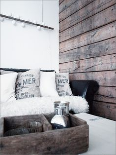 i love the combination of distressed wood x white walls. very beach-y