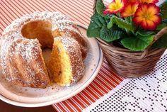 VLÁČNÁ MRKVOVO - JABLEČNÁ BÁBOVKA Slovak Recipes, Czech Recipes, Czech Desserts, Bagel, Doughnuts, French Toast, Ice Cream, Cooking Recipes, Favorite Recipes