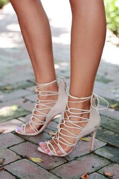 detailed look 792b2 a3c86 Top 5 Shoes Which Are Best For You If You Are Chic Nude Heels, Beige