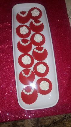 Red and white cupcake toppers White Cupcakes, Cupcake Toppers, Fondant, Red And White, Sweet, Table, Egg White Cookies, Fondant Icing, Mesas