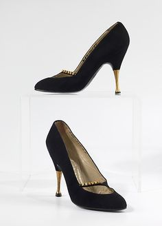 Pumps Dal Co  (Italian) Date: 1956 Culture: Italian Medium: leather, metal I would totally wear these now!!