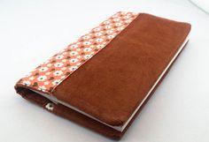 Porte-chéquier réversible tissu velours terre cuite et coton orange fleurs seventies rétro/vintage