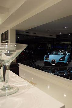 youngsophisticatedluxury:  Bugatti Veyron