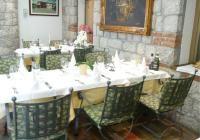 VEBO | Gastronomiemöbel, galerie | Fotos von Stühle und Tische | Foto galerie mit Gastronomiemöbel Table Settings, Photos, Tables, Garten, Table Top Decorations, Place Settings, Dinner Table Settings, Desk Layout