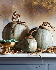 Fall has arrived! Browse our editors' best pumpkin decorating ideas whether you're carving, painting, or using this classic gourd for Halloween décor. Creative Halloween Costumes, Halloween Projects, Halloween Pumpkins, Fall Halloween, Halloween 2019, Halloween Party, Pumpkin Uses, Best Pumpkin, Thanksgiving Decorations