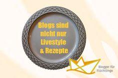 """Manchmal haftet Blogs ja der Ruf an, (gegenüber den """"richtigen"""" Medien) eher seichte Themen zu beackern wie Kochrezepte, Mode, Lifestyle und was sonst noch eher unanstößig und harmlos wirkt. In diesen Zeiten aber, wo das ernste Thema Flüchtlinge nun auch dem allerletzten in Europa lebenden Menschen nicht mehr entgangen sein dürfte, zeigt eine Gruppe Blogger, dass sie auch politisch werden und etwas bewegen können. – Auch wenn sie sonst hauptsächlich über Essen und Bücher bloggen."""