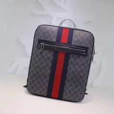 f0bd686d32a Gucci GG Supreme Backpack 100% Authentic 80% Off
