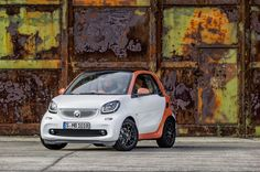 smart fortwo coupe Photos and Specs. Photo: fortwo coupe smart specs and 23 perfect photos of smart fortwo coupe Smart Fortwo, Smart Auto, Smart Car, Smart Roadster, Daimler Ag, Benz C, Auto News, Future Car, Car Lights