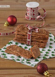 Galletas finas crujientísimas de almendra. Receta de Navidad