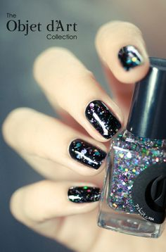 black + glitter nails  perfect for new years eve!
