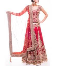 Online Shopping for Women's Ethnicwear Designer Sarees, Designer Bridal wear Lehenga choli, Gowns, Anarkali dresses and Salwar suits, kurties Indian Bridal Lehenga, Indian Bridal Fashion, Indian Bridal Wear, Indian Wedding Outfits, Pakistani Outfits, Bridal Outfits, Indian Outfits, Pakistani Clothing, Indian Wear