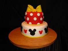 Minnie Mouse cake done for a little girl's birthday party. Bow made from mix fondant and gum paste minnie mouse cake Minnie Mouse Birthday Cakes, Mickey Mouse Cake, Cousin Birthday, Little Girl Birthday, Cake Central, Disney Cakes, Cupcake Cookies, Cupcakes, Birthday Parties