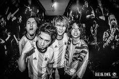 いいね!110.2千件、コメント492件 ― Takaさん(@10969taka)のInstagramアカウント: 「Argentina 🇦🇷!!!! We had great time!!!! ❤️ @julenphoto」 One Ok Rock, Visual Kei, Rook, Instagram Posts, Tomoya, Japanese, Musicians, Buenos Aires Argentina, Tower