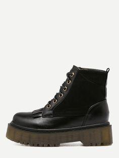 Black Faux Leather Round Toe Lace Up Flatform Short Boots — 0.00 € color: Black size: EUR36,EUR37,EUR38,EUR39