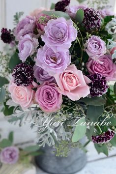 roses my favorite colors...