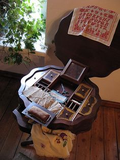 craft & tea table in one, 1800s I would love one of these for my cross stitch things
