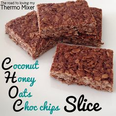 A very easy CHOC slice made of oats, honey, coconut oil and chocolate. Made easily and quickly in your thermomix or similar. Traditional instructions included as well. Chocolate Caramel Tart, Chocolate Slice, Healthy Baking, Healthy Treats, Oat Slice, Coconut Slice, Bellini Recipe, Thermomix Desserts, Lunch Box Recipes
