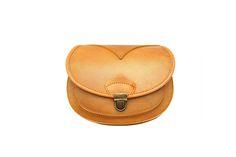 bearabeara The Monita handbag is handmade from strong natural leather and is the perfect compact handbag