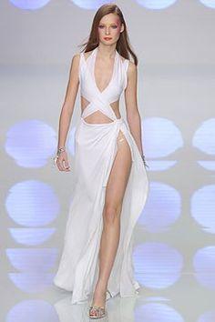 Valentino Spring 2004 Ready-to-Wear Fashion Show - Valentino Garavani, Tiiu Kuik