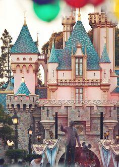 Sleeping Beauty Castle at Disneyland Walt Disney, Disney Magic, Disney Pixar, Orlando Disney, Disney Cruise, Disney Girls, Disney Love, Disneysea Tokyo, Mickey Mouse