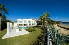 Frontline beach villa in the Rio Verde Playa - can´t beat this for fab property with fab views!!