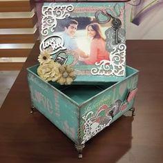 caixas marisa magalhaes - Pesquisa Google Decoupage Wood, Decoupage Vintage, Vintage Crafts, Diy Craft Projects, Decor Crafts, Diy Crafts, Shabby Boxes, Creative Box, Paper Flower Wall