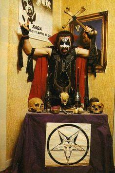 King Diamond, clown prince of Metal. King Diamond, Black Metal, Heavy Metal Music, Heavy Metal Bands, Hard Rock, Mercyful Fate, Evil Art, Tribute, Metal Albums